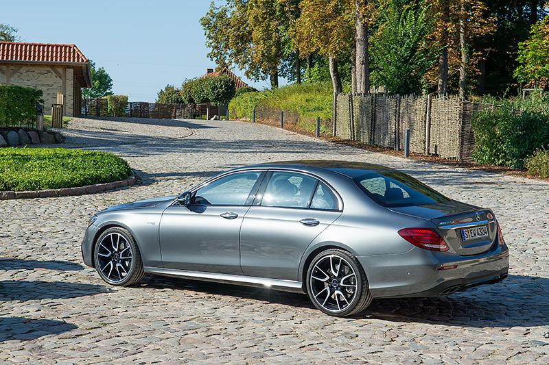 Mercedes-E43_0538