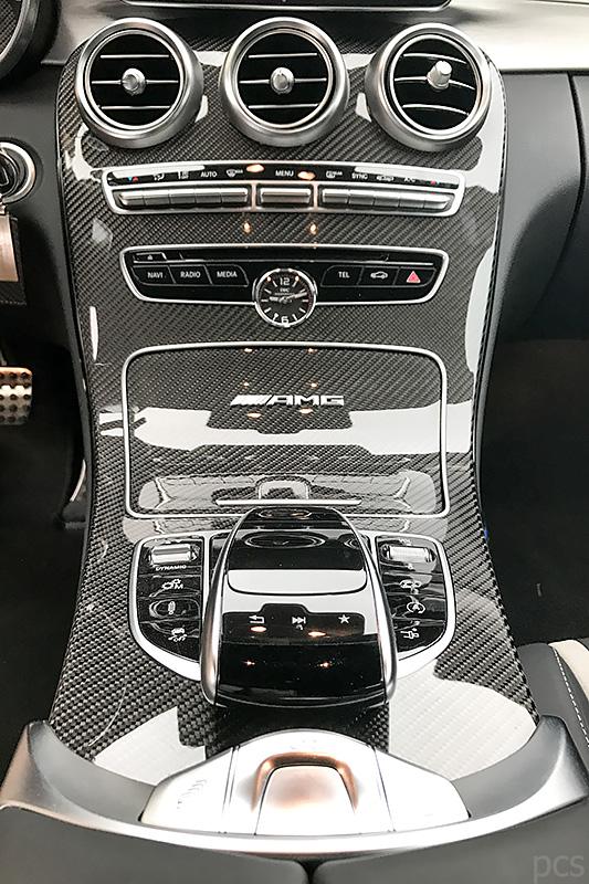 Mittelkonsole Carbon IWC Uhr Mercedes-AMG C63S Cabrio