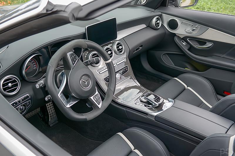 Cockpit Mercedes-AMG C63S Cabrio