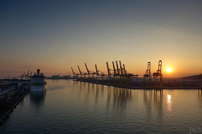 Abendstimmung im Hafen von Barcelona