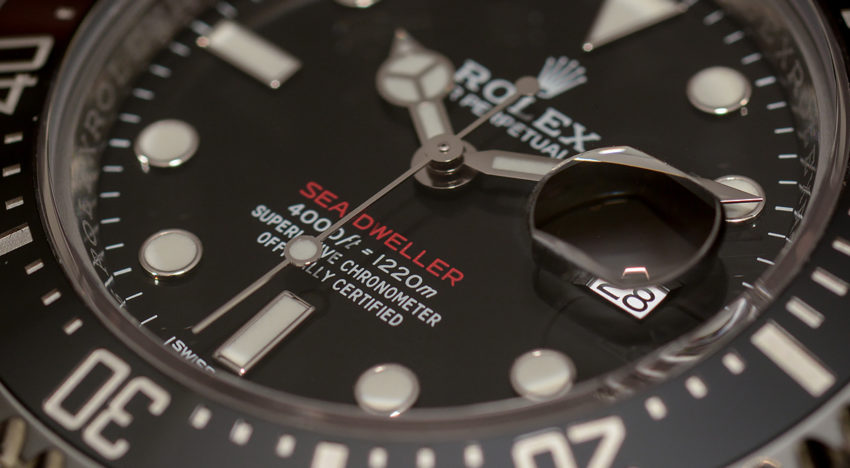 "Hands-on Rolex ""red"" Sea-Dweller 126600"