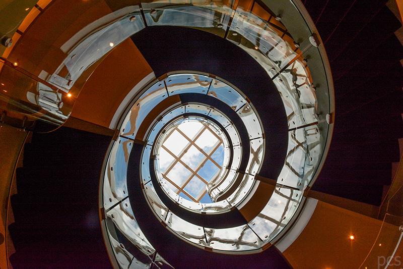 Atrium des Luxus Kreuzfahrtschiffs Seabourn Quest