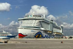AIDAperla: Geburtstag an Bord