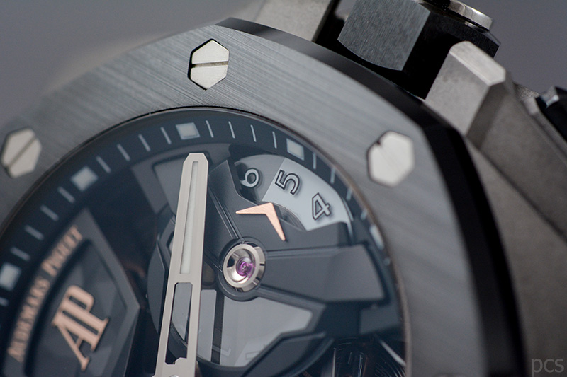 Detailansicht Audemars Piguet Royal Oak Concept Flying Tourbillon GMT 44 mm, Ref. #26589IO.OO.D002CA.01