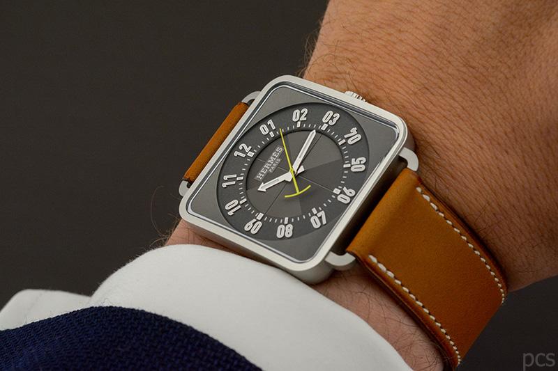 Wristshot Hermès Carré H