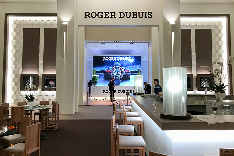 SIHH 2018 Messestand Roger Dubuis bei Nacht