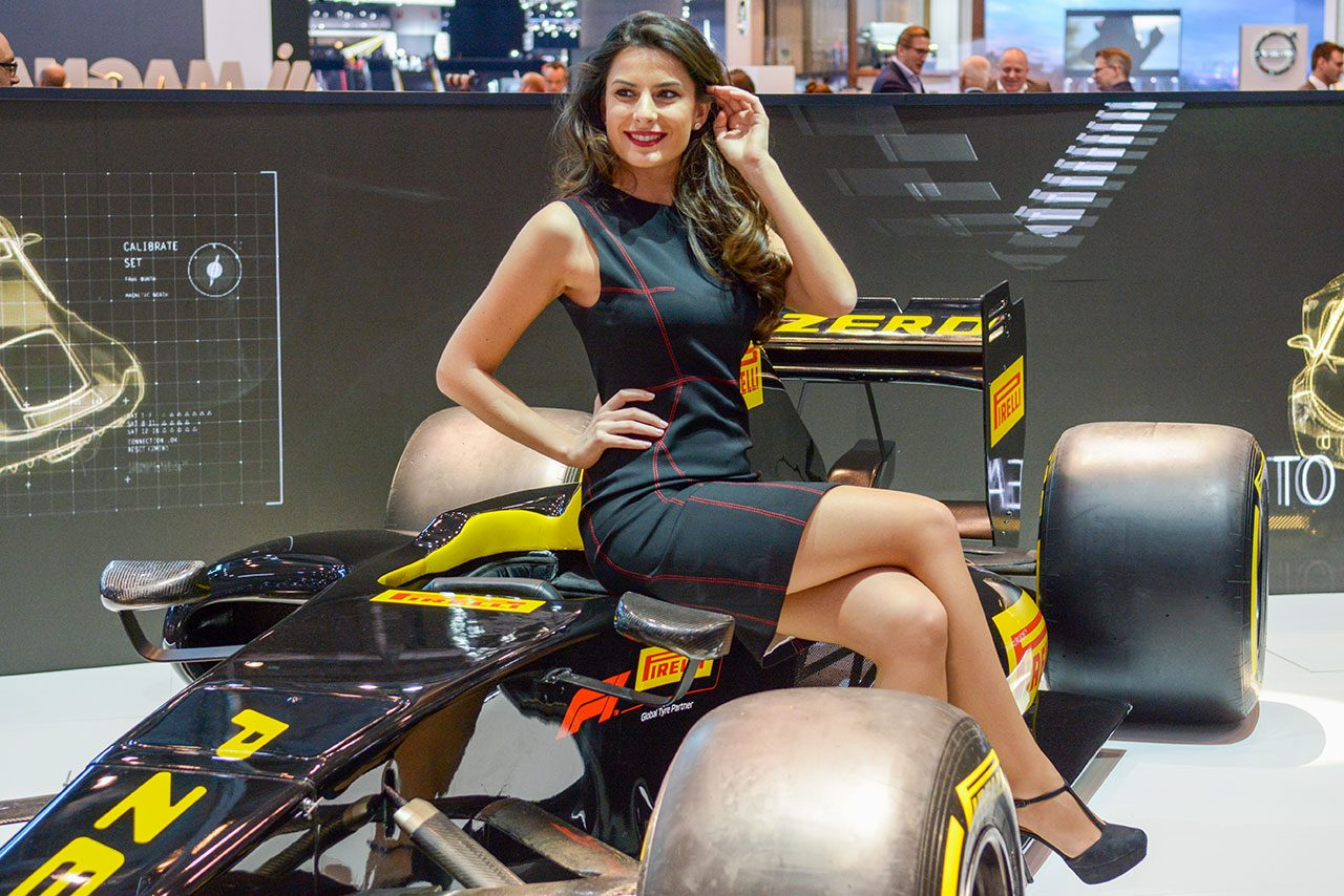 Luxify Autosalon Genf 2018 Messehostess