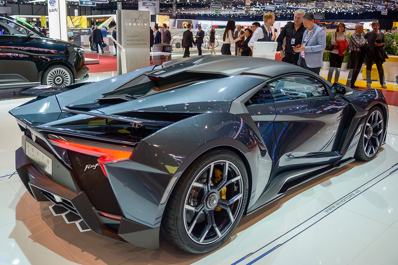 Luxify Fenyr Supersport von W Motors
