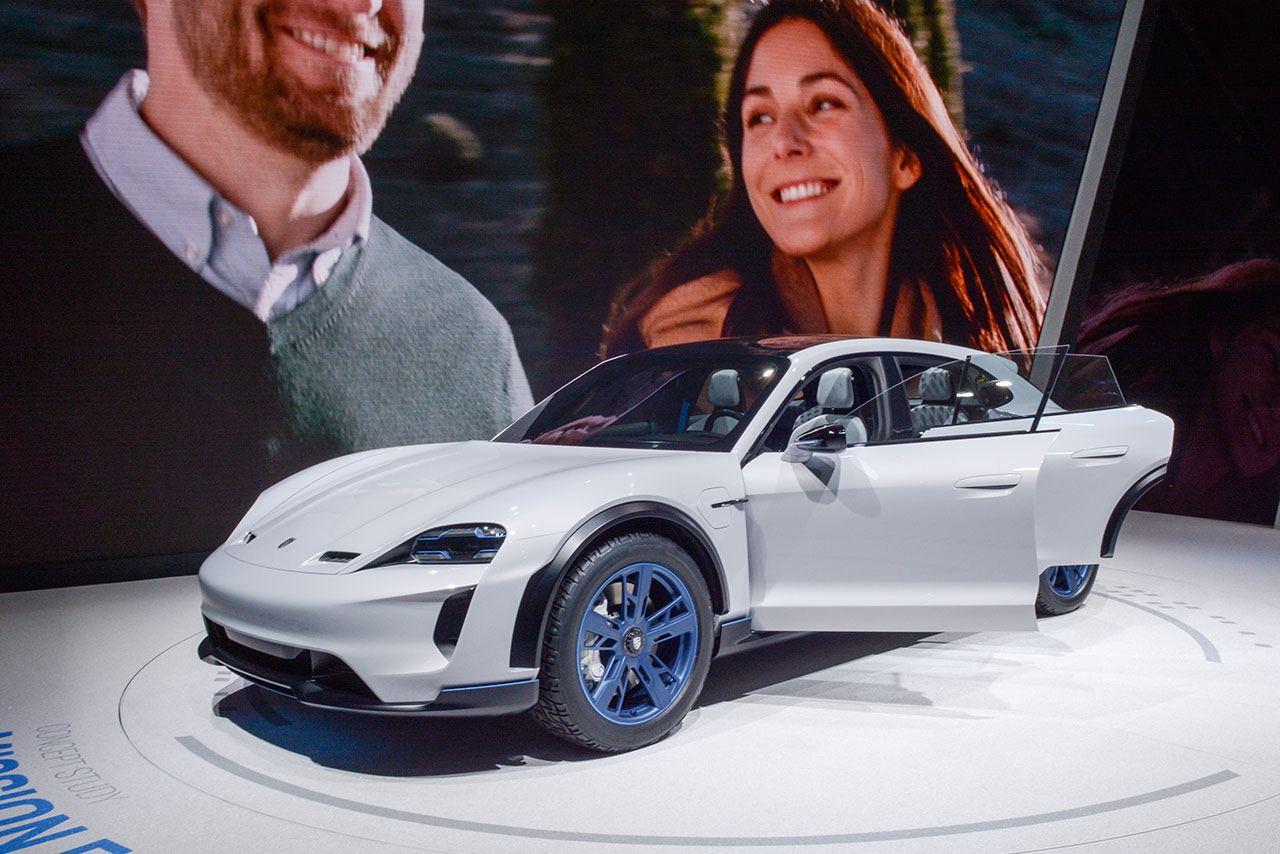 Luxify Porsche E Cross Turismo
