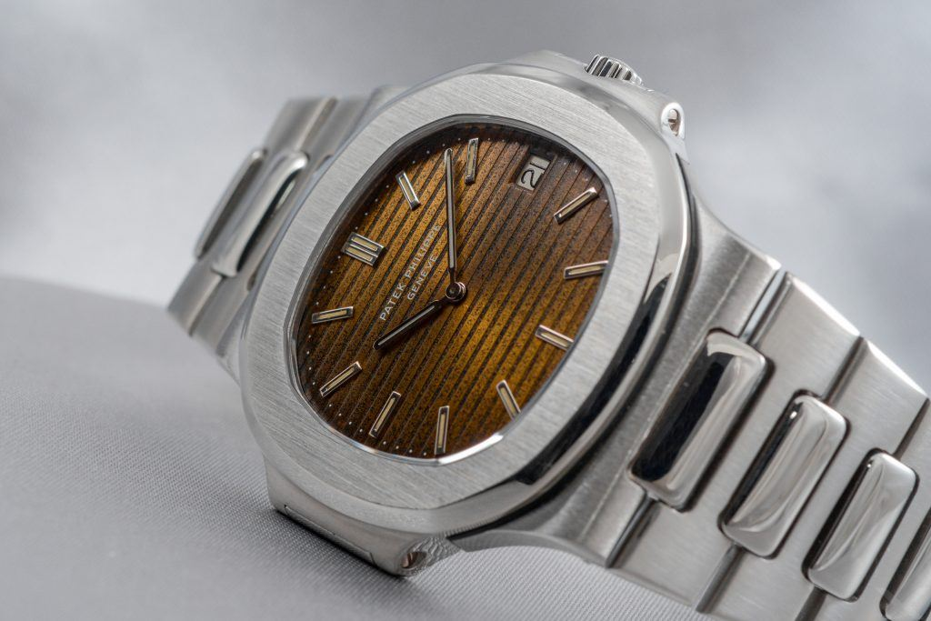 Luxify Review Patek Philippe Nautilus Jumbo 3700/1 Tropical Dr. Crott