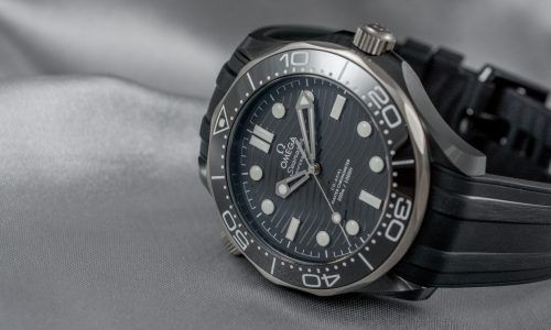 Omega Seamaster 300M Black Ceramic - Ihre Uhr, 007