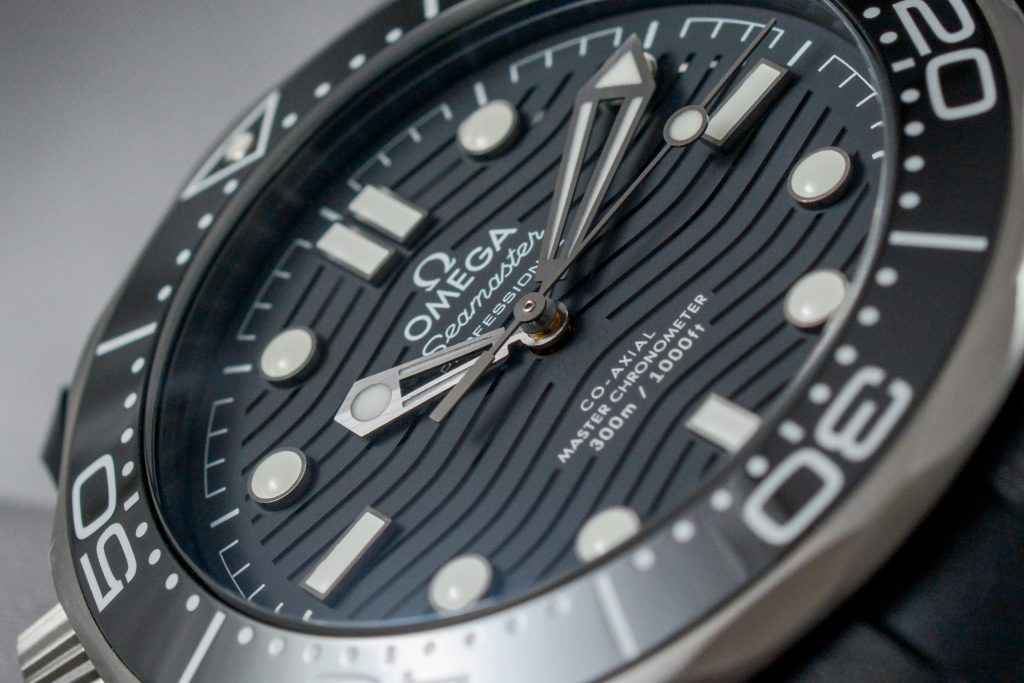 Luxify Hands-on Review Omega Seamaster 300M Ceramic 43,5