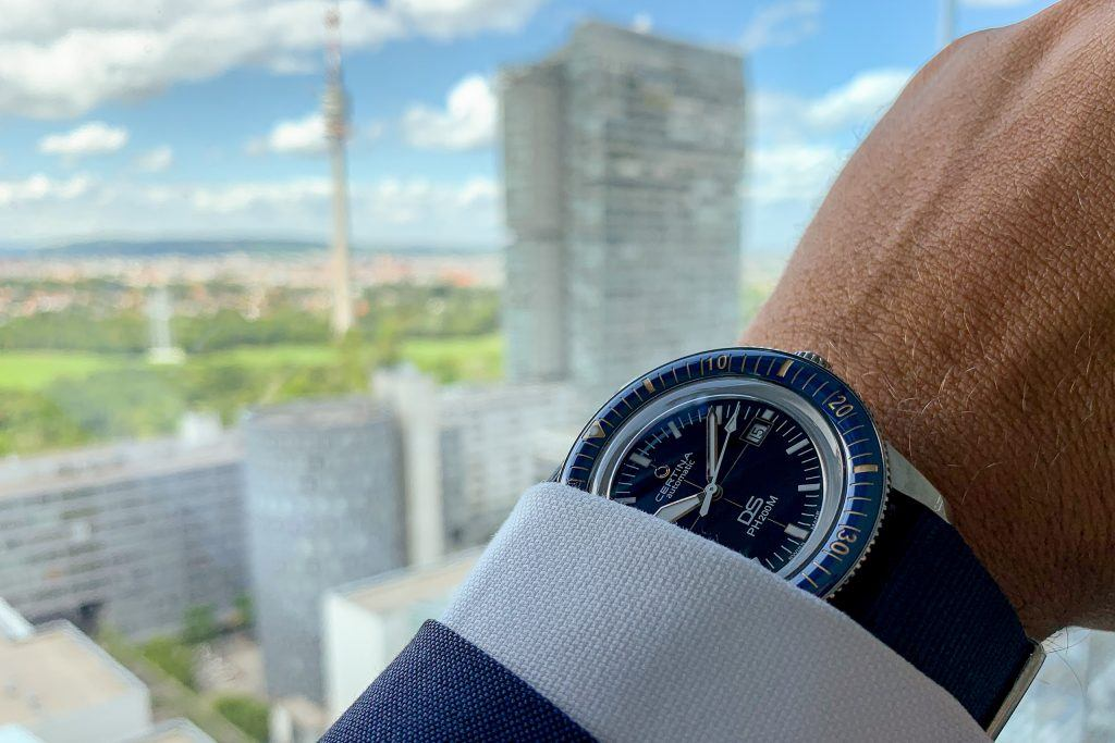 Luxify Review Hands-on Certina DS PH200M Powermatic 80 blue ceramic